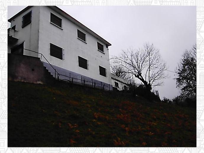 Foto 1 de Chalet en Caserio Con  Terreno 2.000 M2 / Elgoibar