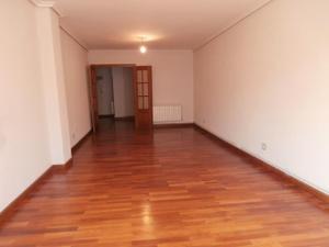 Venta Vivienda Apartamento amplio apartamento con 3 habitaciones