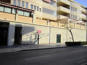 Local comercial en Venta en Plateros / Vélez-Málaga