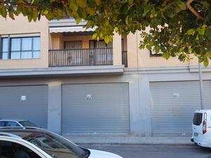 Locales de PRIMERA LINEA en venta en España