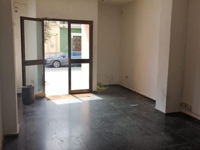 Foto 1 de Local en venta en Avenida País Valenciá, 106 La Pobla de Farnals, Valencia