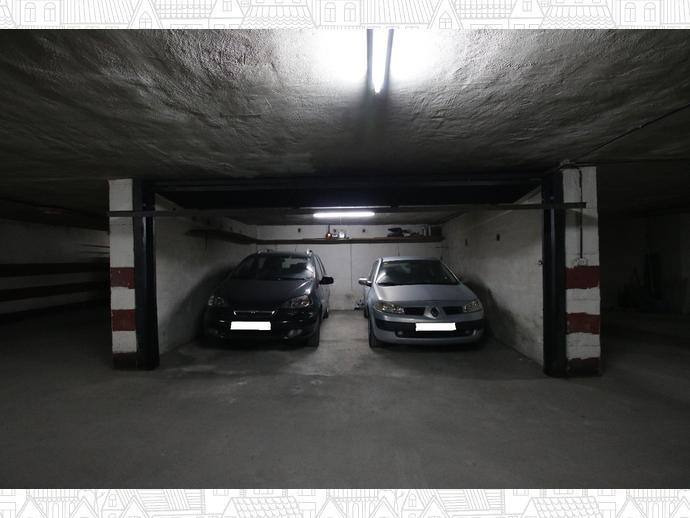 Foto 1 de Garaje en  Santa Lucía / Centro - Sagrario,  Granada Capital