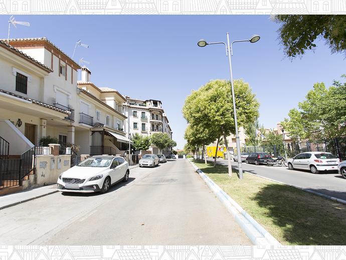 Foto 29 de Casa adosada en  Avenida Blas Infante / Ogíjares