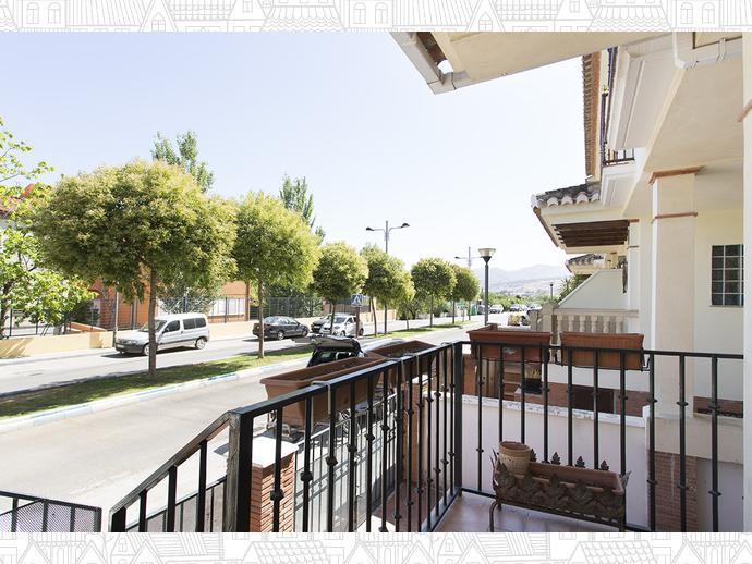 Foto 33 de Casa adosada en  Avenida Blas Infante / Ogíjares
