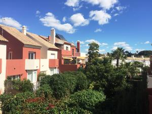 Casa adosada en Venta en Reposicion Bancaria / Bank Repossession - Estepona Este - El Padrón - El Velerín - Voladilla / Estepona Este
