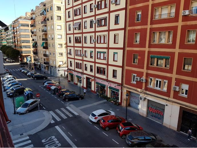 Photo 6 of Flat in Street Maestro Valls / Aiora,  Valencia Capital