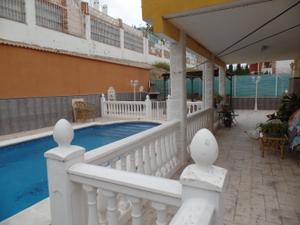 Chalet en Venta en Gardenias / Linares