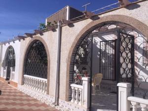 Chalet en Venta en Los Alcázares ,sin Zona / Los Narejos