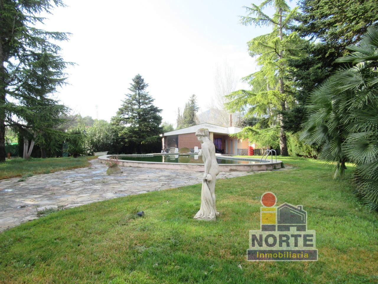 Lloguer Casa  Comtat - Muro de Alcoy. Superf. 185 m², 5000 m² solar,  5 habitaciones (5 dobles),  3 ba