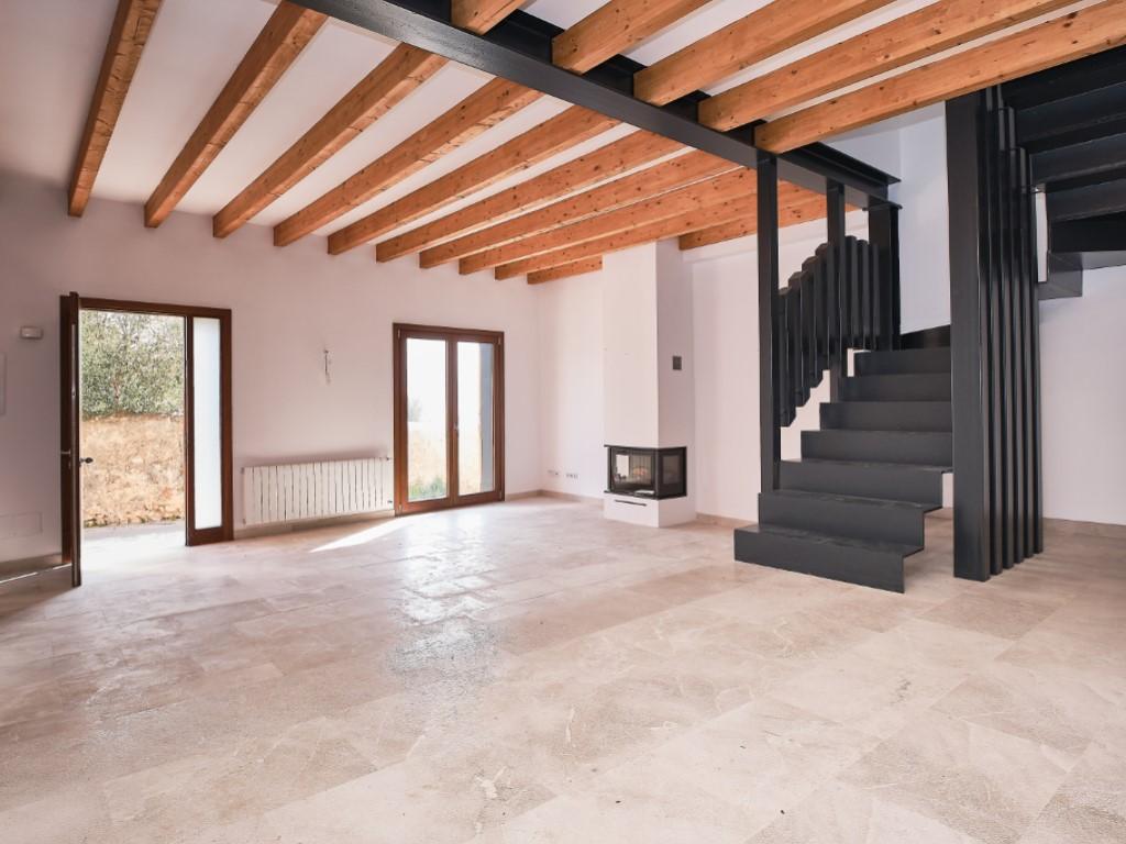 Rent House  Alaró, alaró, mallorca, españa. Casa pareada a estrenar en alaró.