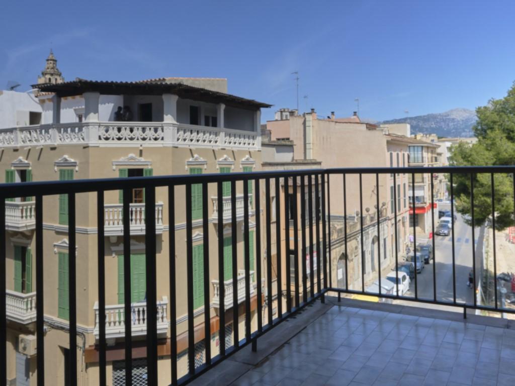 Alquiler Piso  Reis catolics, inca, mallorca, españa. Amplio piso de 4 habitaciones de alquiler en inca.