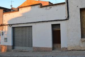 Local comercial en Alquiler en Valeri Serra, 1 / Bellpuig