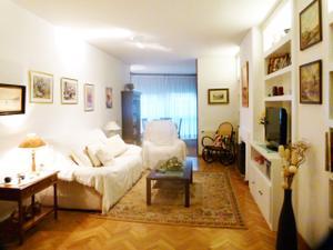 Piso en Alquiler en Casco Urbano / Casa Amarilla