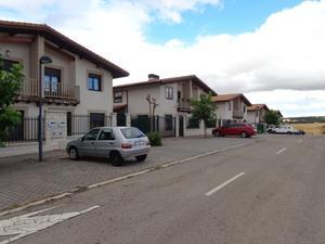 Casa adosada en Venta en Las Viñas / Cardeñadijo