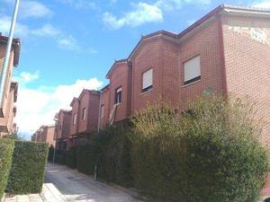 Casa adosada en Venta en Los Cisnes / Aguilar de Campoo