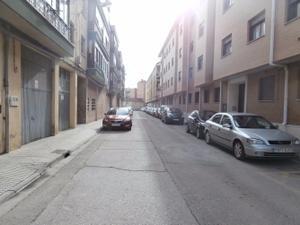Piso en Venta en Agustina de Aragón / Santa Catalina - Ferial