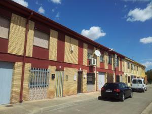 Chalet en Venta en Campo de Cariñena - Longares / Longares