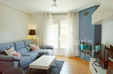 Casa adosada en venta en Almenara de Tormes