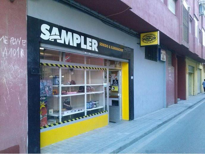 Foto 2 de Local comercial en Calle Escultor Martínez Bueno 8 / Centro, Cuenca Capital