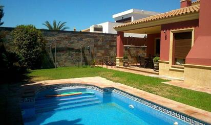 Homes and houses for sale at Metro Olivar de Quintos, Sevilla