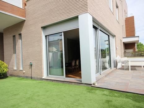 Casas adosadas en venta con terraza en Madrid Capital