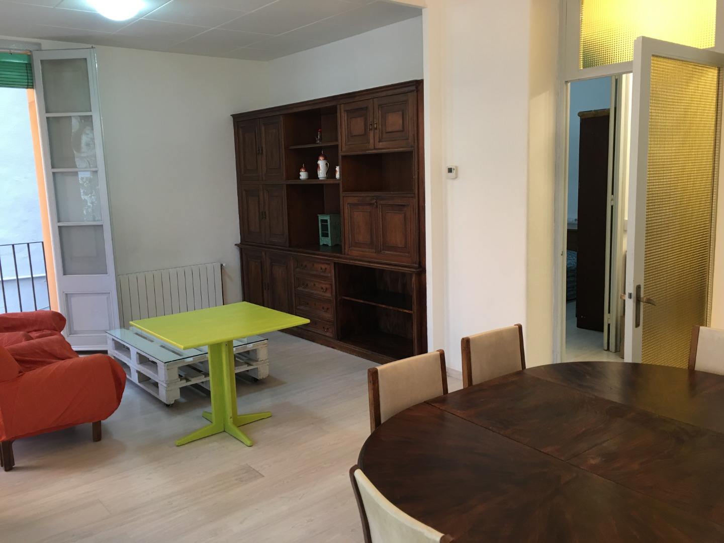 Location Appartement  Olot. Se alquila piso en la plaza mayor de olot