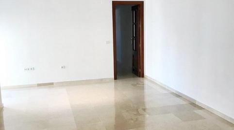 Foto 2 de Piso de alquiler en Zona Centro, Córdoba