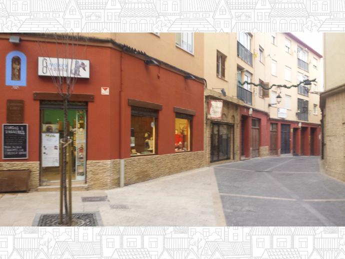 Piso en huesca capital en casco antiguo en calle castilla for Pisos alquiler huesca capital