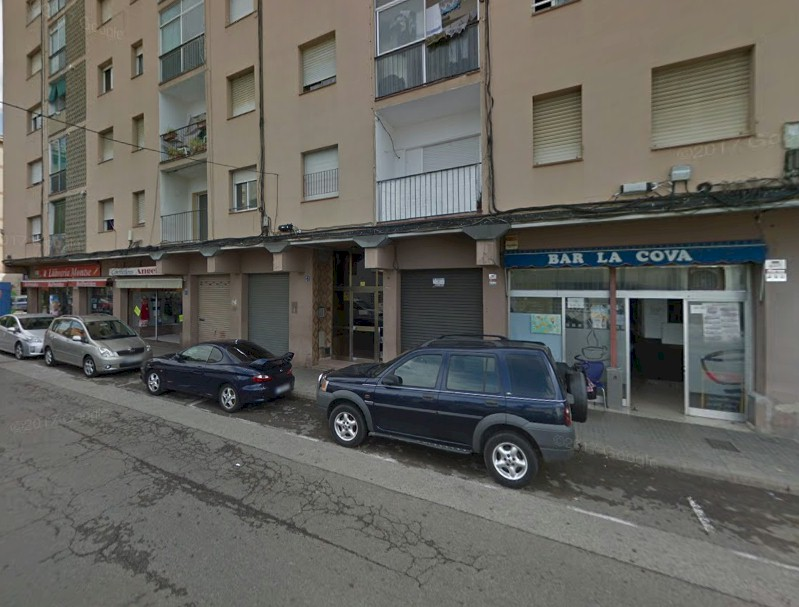 Local Comercial  Calle doctor ferran , 31. Local comercial de barri al carrer doctor ferran. consta de 28 m