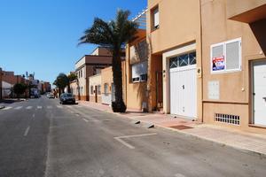 Apartamento en Venta en Santos /  Almería Capital