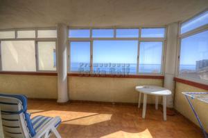 Apartamento en Venta en Vistas Frontales al Mar, A Escasos Metros de la Playa / Torrequebrada