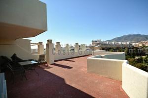 Apartamento en Venta en Benalbeach, 100m2 Terraza, Vistas Panorámicas / Parque de la Paloma