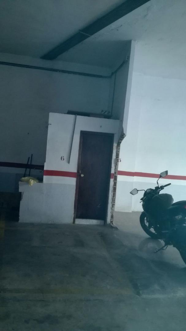 Lloguer Aparcament cotxe  Pizarro, zona de - quart de poblet. Plazas de garaje de moto en alquiler situadas en la zona de la c