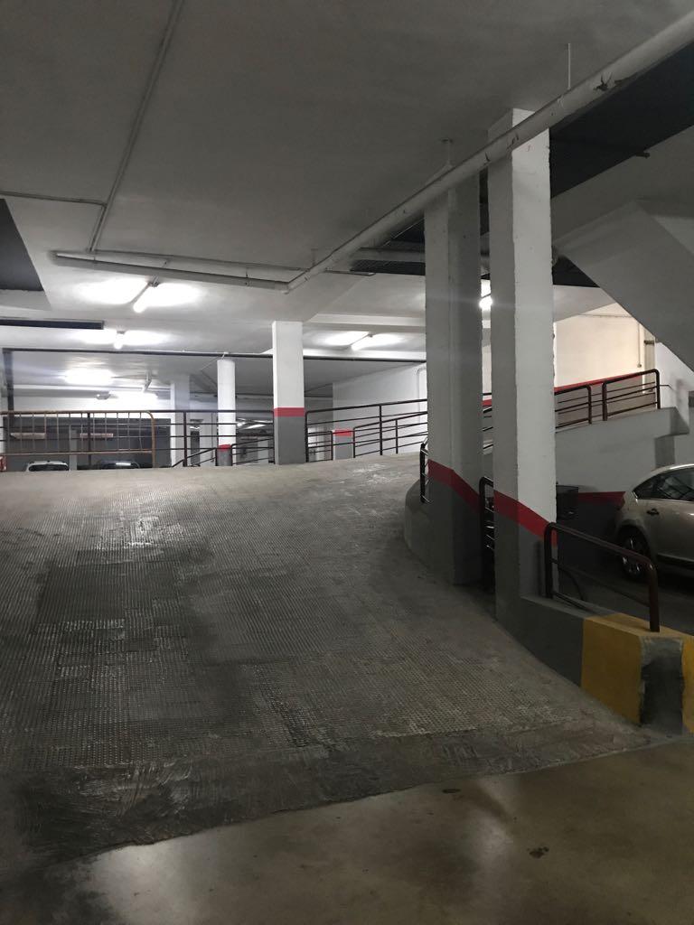 Car parking  Zona mercadona de arriba- invercasa quart. Plaza de garaje situada en zona mercadona arriba.