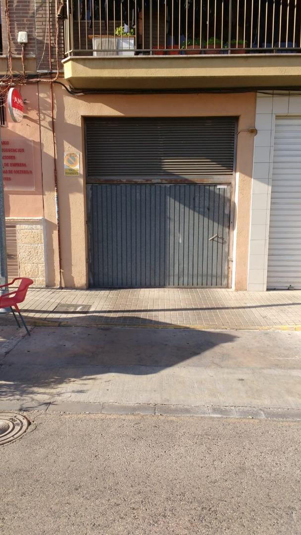 Aparcament cotxe  Zona colegio ramón la porta. Plaza de garaje en venta situada en zona del colegio ramón la po