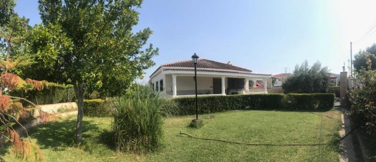 Miete Haus  Vilamarxant ,diseminados. Chalet con piscina situado en partida de la masia de perpiñanez