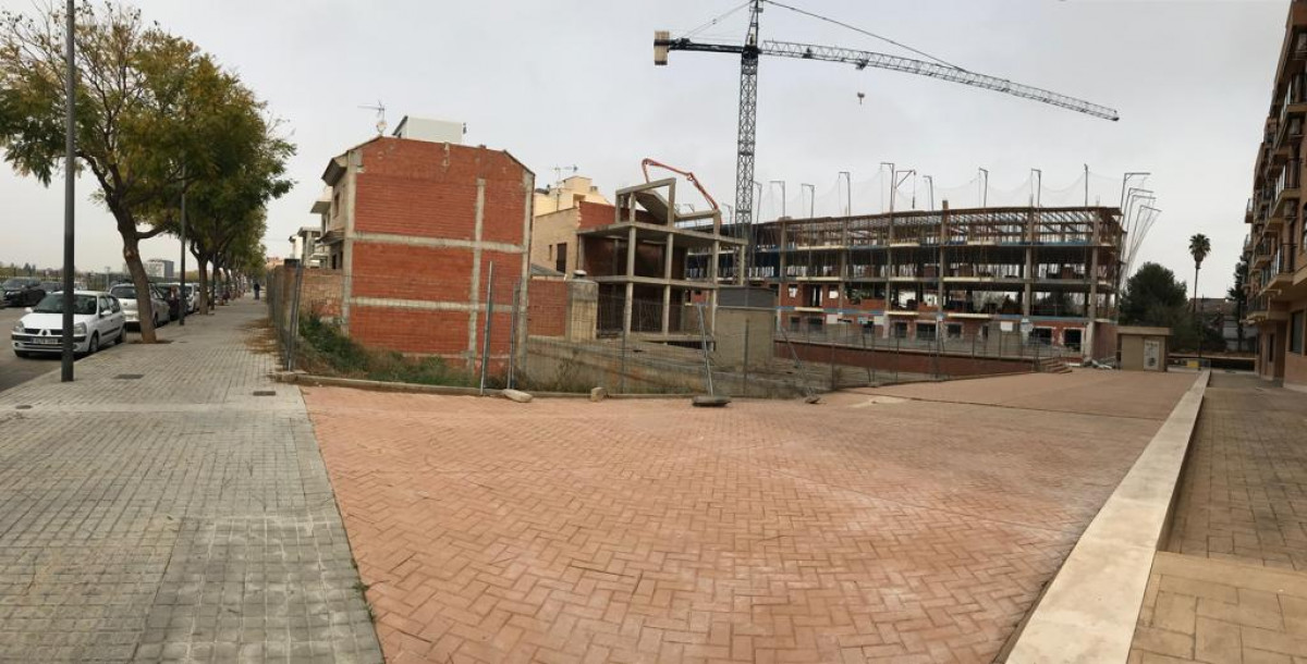 Terrain urbain  Quart de poblet ,zona parada de metro faitanar. Parcela urbana esquinera para construcción de adosado.