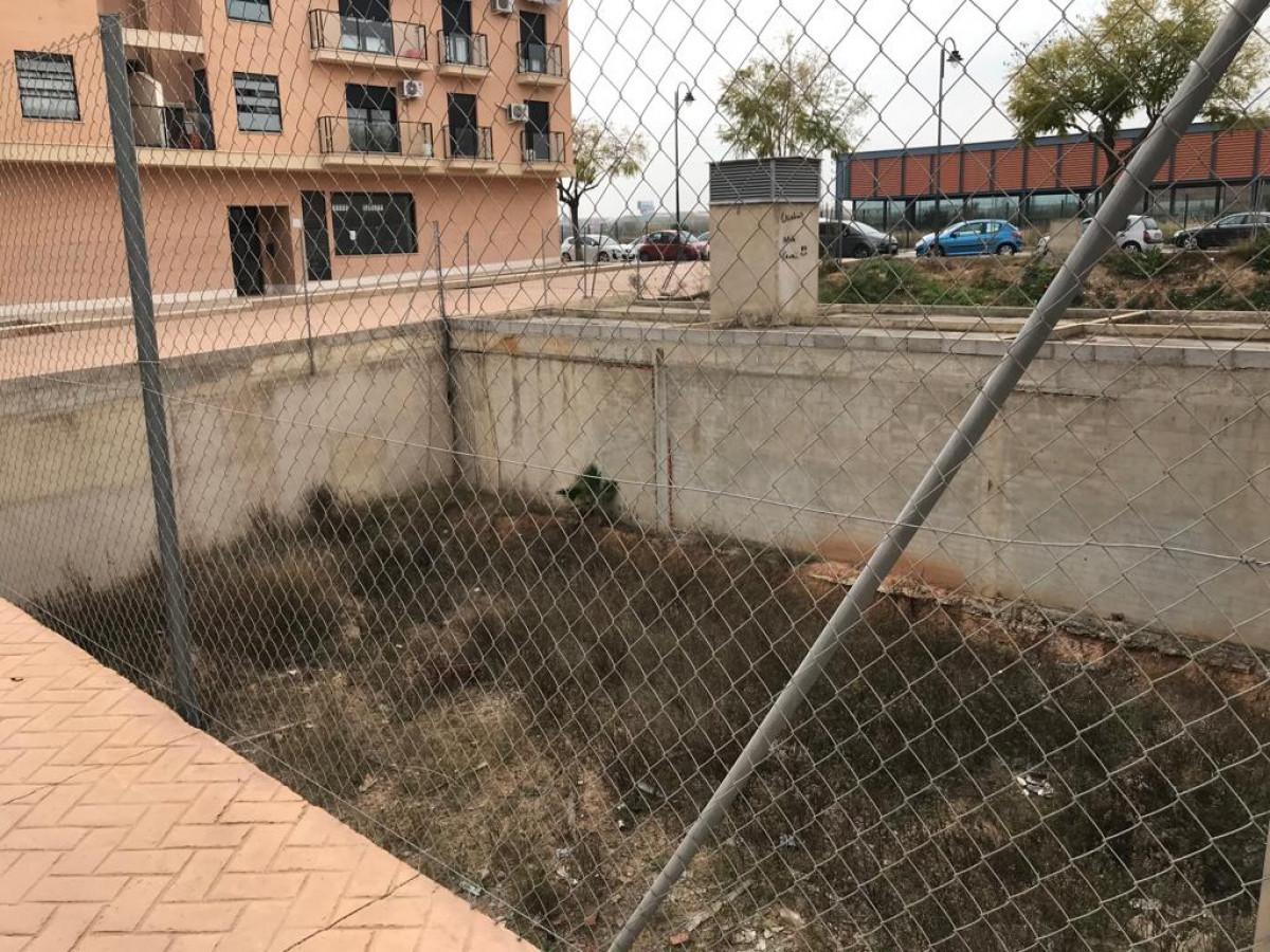 Terrain urbain  Quart de poblet ,zona parada de metro faitanar. Parcela urbana para construcción de adosado.