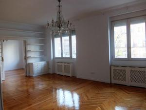 Flat in Rent in Santa Engracia / Chamberí