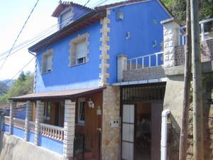 Chalet en Venta en Figaredo / Santa Marina - Polígono