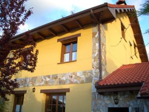 Casa adosada en Venta en León - Sariegos / Sariegos