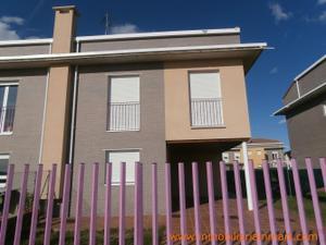 Casa adosada en Venta en Medina de Pomar / Medina de Pomar