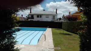 Casa adosada en Venta en Faisanes / Santa Marta de Tormes