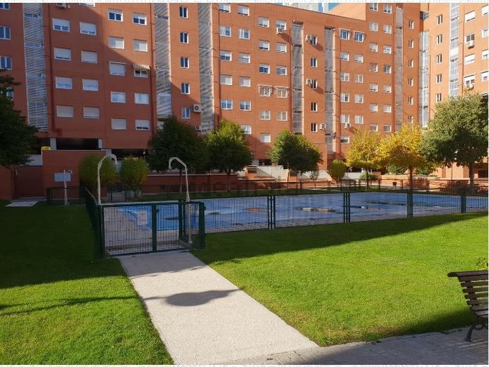 Foto 1 de Piso en Calle Caliza / Valdebernardo - Valderribas,  Madrid Capital