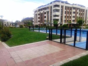 Piso en Alquiler en Moreras, 51 / Golf - El Carralero