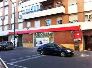 Local comercial en Alquiler en Puente de Segovia / Latina