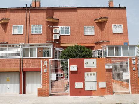 Einfamilien reihenhäuser miete möbliert in España