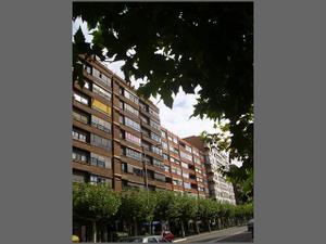 Piso en Venta en Valladolid / El Carmen - Casas del Hogar