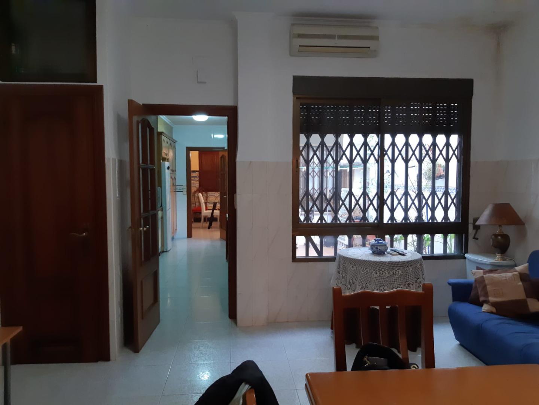 Casa  Sedaví, zona av. de madrid. Casa con planta baja totalmente reformada,2 habitaciones,cocina,