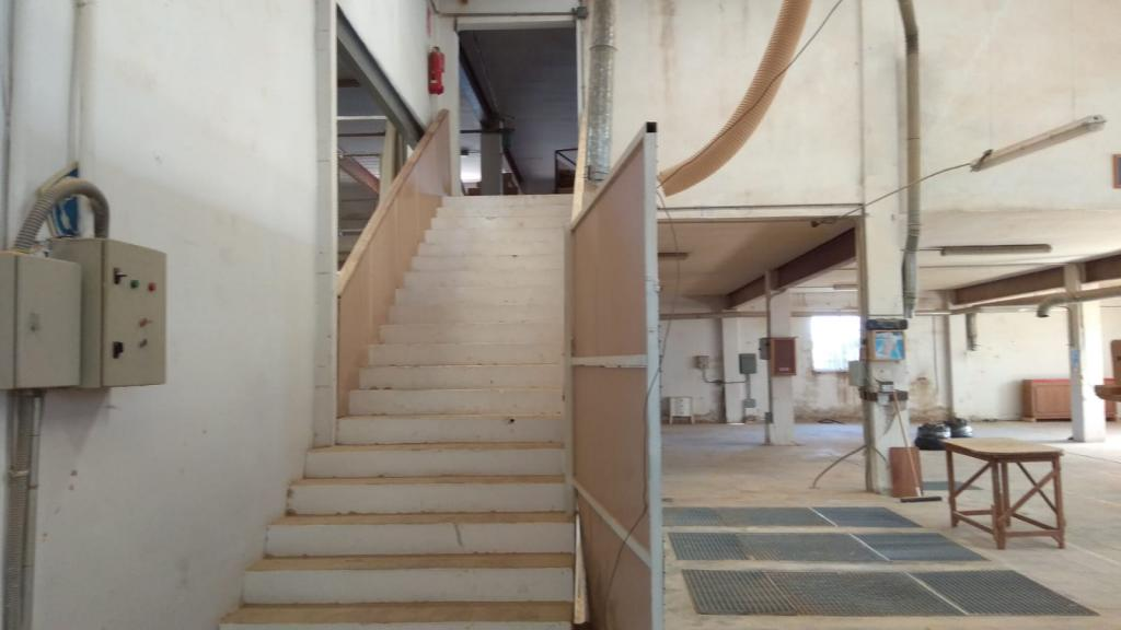 Bâtiment à usage industriel  -